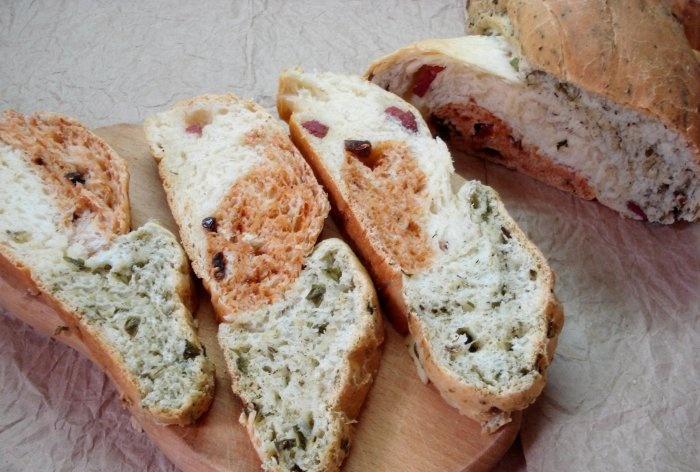 Üç en lezzetli sandviç ekmeği tadı