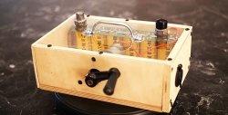Gerador manual com ionistores para dar partida no motor