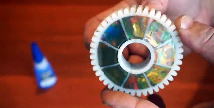 Moldamos uma roda de engrenagem caseira de alumínio em vez de plástico
