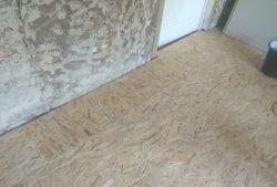 Izolarea podelei cu spumă și foi OSB