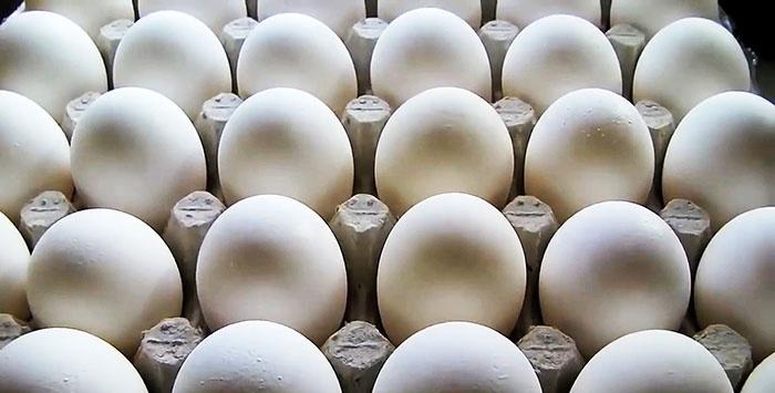 Πώς να βράζετε τα αυγά έτσι ώστε να είναι γρήγορα και εύκολα να καθαριστούν
