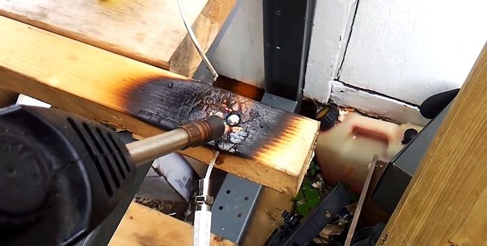How to quickly cast a cable boss without a mold