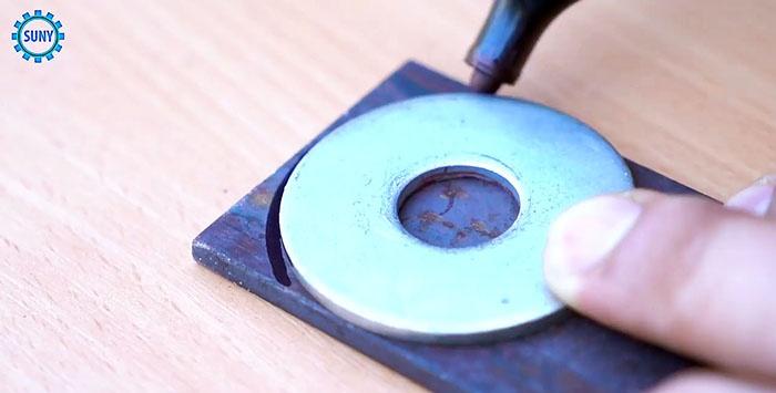 Domowe zaciskanie do zaciskania rurkowych końcówek na kablu