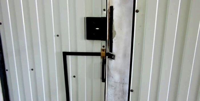 How to make a secret gate