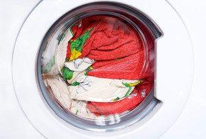 Bagaimana hendak membasuh linen putih dan berwarna?