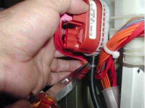 Подмяна на превключвателя за налягане в пералнята
