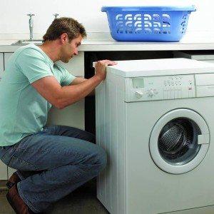 монтаж на вградена пералня