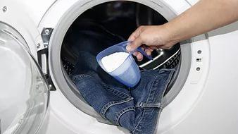 Hogyan lehet mosni a farmert egy mosógépben?