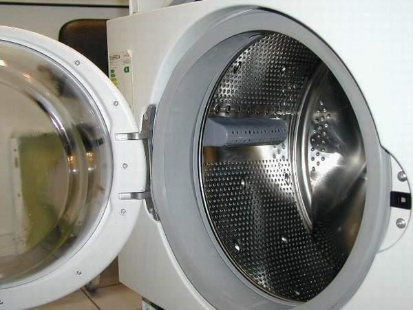 кост от сутиена в пералнята