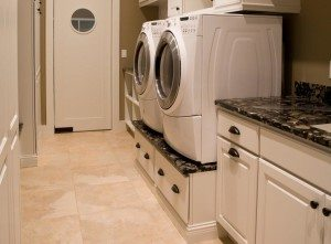 מסלול עשה זאת בעצמך מתחת למכונת הכביסה