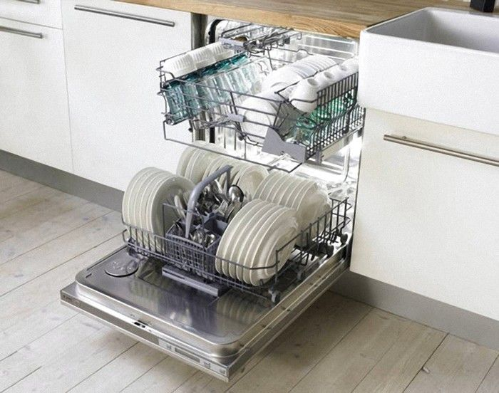 Как да зареждаме чинии в съдомиялната машина