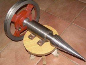 конус за цепене на дърва