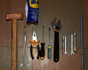 инструменти за ремонт на машини