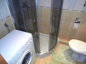 מכונת כביסה בחדר אמבטיה קטן - תכונות עיצוב