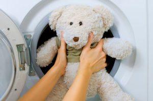 Adakah mungkin untuk mencuci mainan lembut di mesin basuh