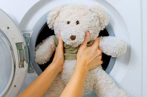 Lehetséges puha játékok mosása a mosógépben