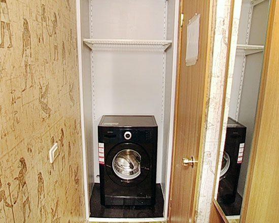 Възможно ли е да се монтира пералня в коридора