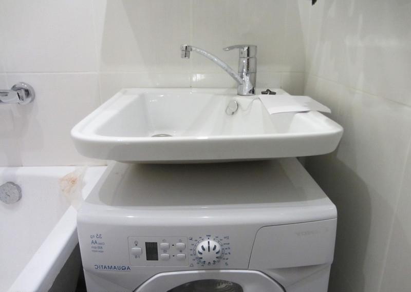A mosógép feletti mosogató áttekintése