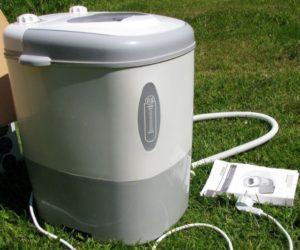 Tinjau mesin basuh mini dengan spin untuk kediaman musim panas