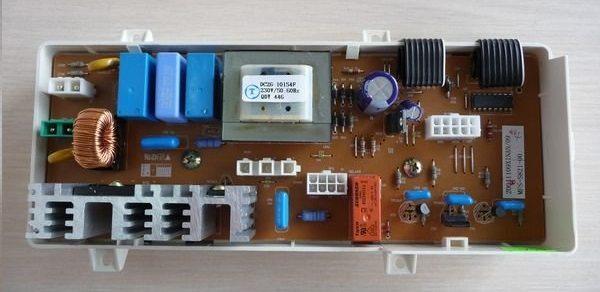 Модулът за управление на пералнята на Samsung може да се счупи