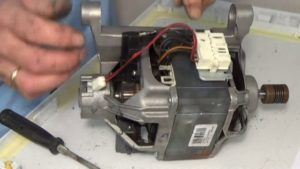 двигател от пералня Ariston