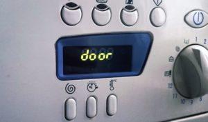 грешка на вратата на пералнята