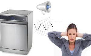 Die Spülmaschine brummt