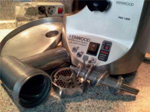 Как да почистите месомелачка след миене в съдомиялна машина