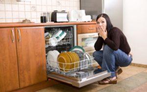 A mosogatógép után az edények szaga van
