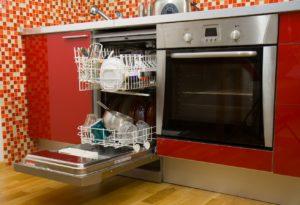 האם אוכל להניח מדיח כלים ליד התנור
