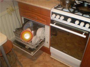 Как да поставите съдомиялна машина в малка кухня