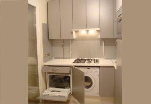 още един пример за поставяне на съдомиялна машина в малка кухня