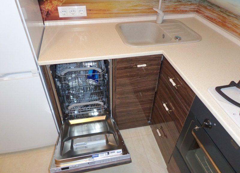 пример за поставяне на съдомиялна машина в малка кухня