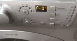 Kesalahan F07 pada mesin basuh Ariston