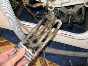 כיצד להחליף תנור חימום במכונת כביסה של אריסטון