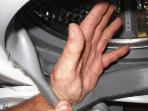 מדוע השרוול של מכונת הכביסה אינדיסיט מתדרדר