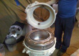 Разглобяване на барабана на перална машина Indesit