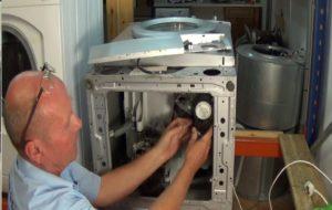 כיצד להחליף את צינור הניקוז של מכונת הכביסה של סמסונג