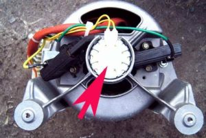 трябва да проверите тахометъра на двигателя