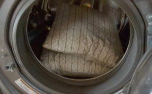 Cách giặt gối tre trong máy giặt