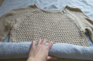 сушене на вълнен пуловер след измиване