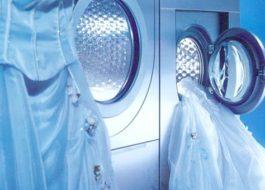 Как да перете сватбена рокля у дома в пералня
