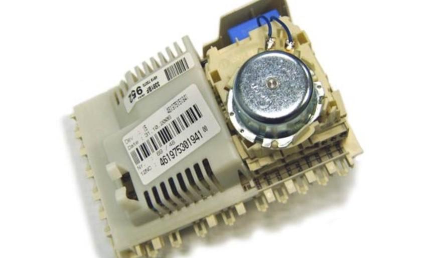 mô-đun điện tử với bộ đếm thời gian