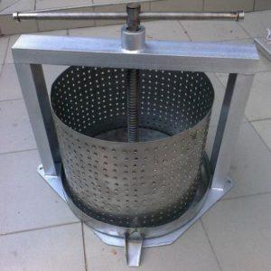 Napravite presu za grožđe iz perilice rublja