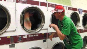 по-лесно е веднага да перете много пране в прането