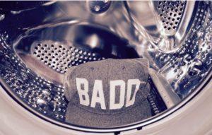 Bagaimana untuk mencuci topi di mesin basuh?