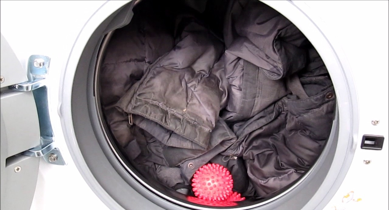 измиваме пухеното яке
